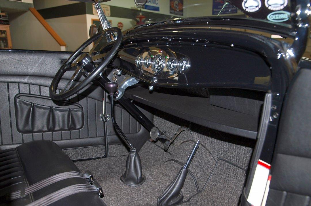 1932 Ford Roadster Adamco Motorsports
