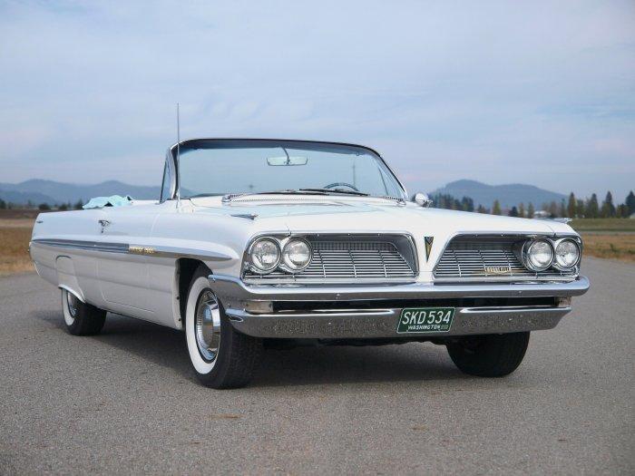 1961 Pontiac Bonneville Convertible Adamco Motorsports