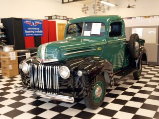 1946 Ford Pickup - Front/Side View